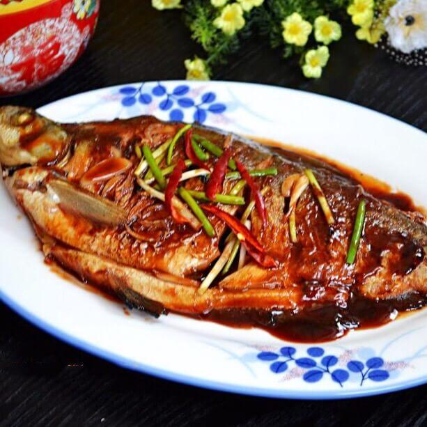 美味海鲜酱烧鳊鱼