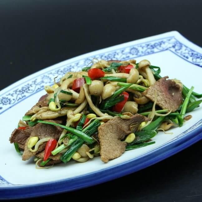 豆芽炒煎肉片