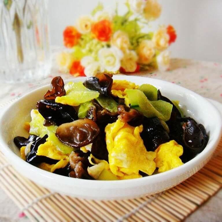 黄瓜海带炒鸡蛋