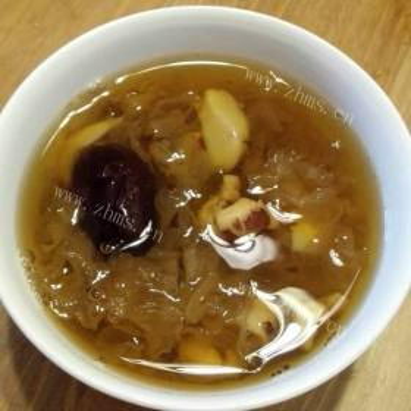 红枣芡实麦子粥