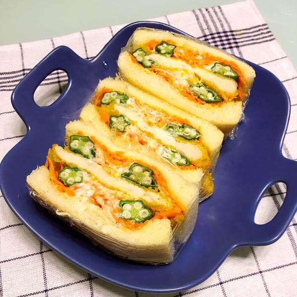 鸡蛋肉松午餐肉三明治