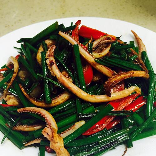 鱿鱼条炒韭菜