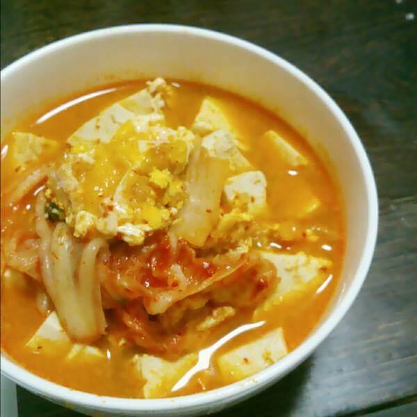 酸辣泡菜豆腐汤
