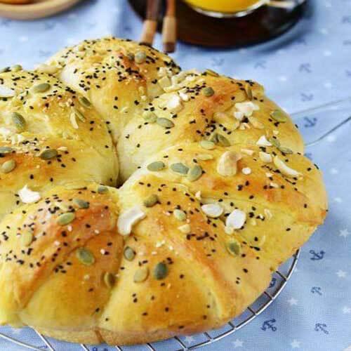 蜜红豆果仁面包