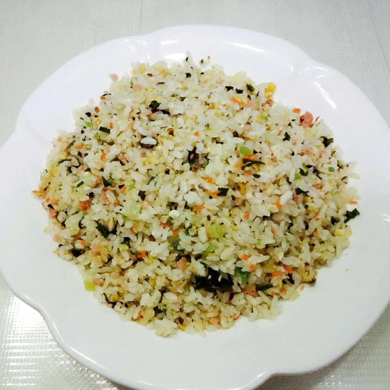 鲜美的虾油海带炒饭