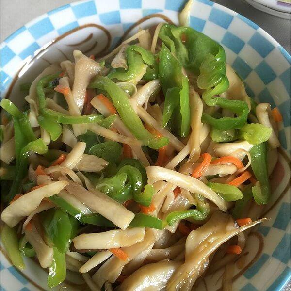 鸡腿菇炒青菜