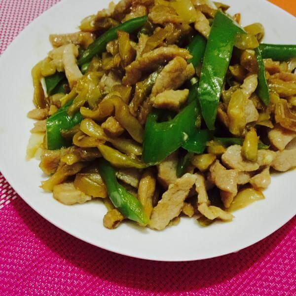 好吃的榨菜炒三丝
