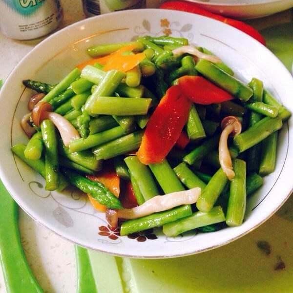 青椒炒蟹味菇