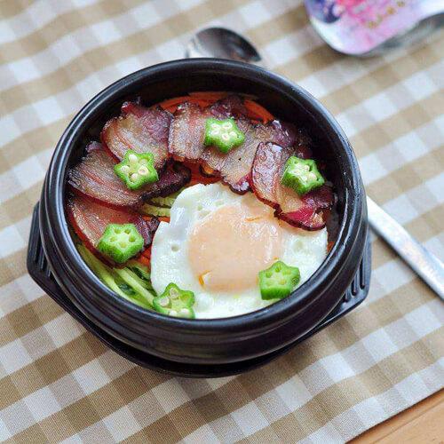 自制腊肉石锅拌饭