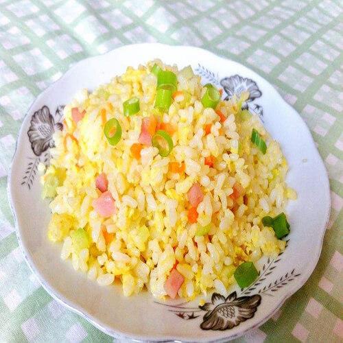 黄金肉粒蛋炒饭