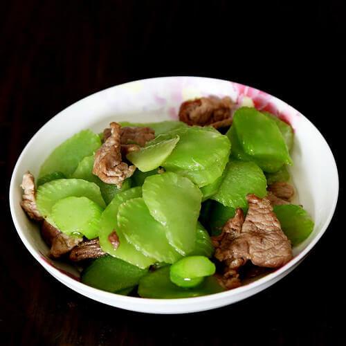 莴笋胡萝卜炒肉片