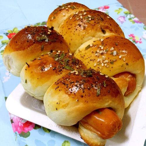 芝麻葱香火腿面包