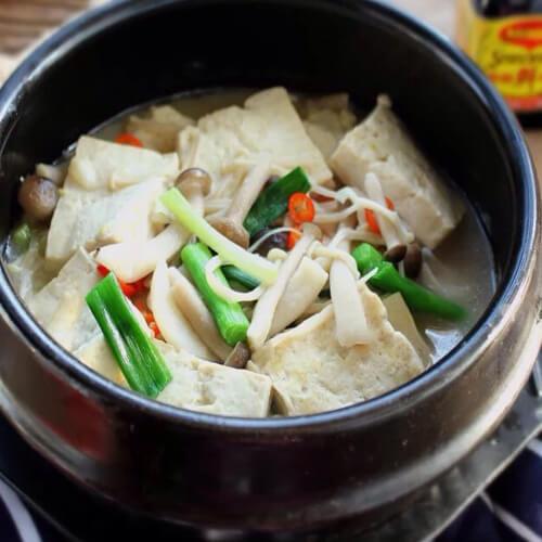 豆腐金针菇煲