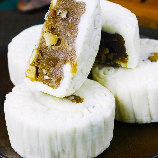 葱叶海虾蛋黄糕