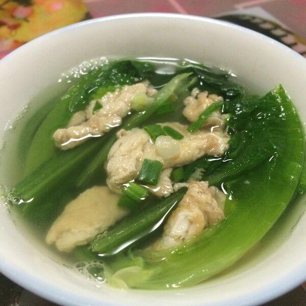 美味花蛤莴苣叶汤
