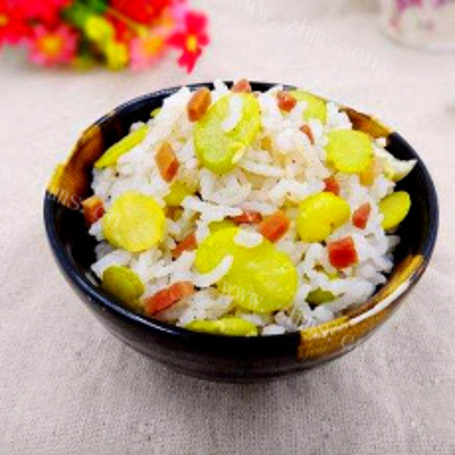 美味的蚕豆胡萝卜焖饭