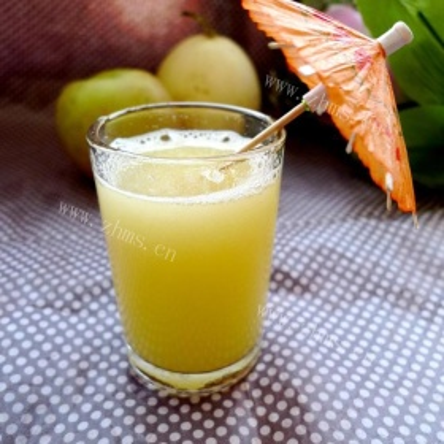 鲜榨玉菇甜瓜汁