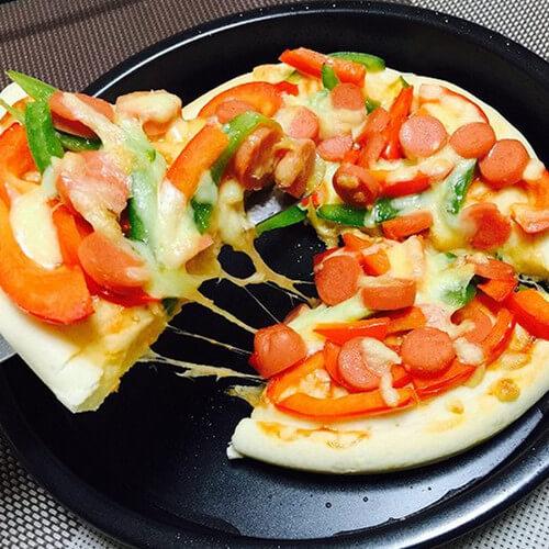 果蔬腊肉香肠披萨