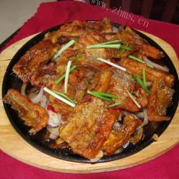 葱香金针菇炒带鱼