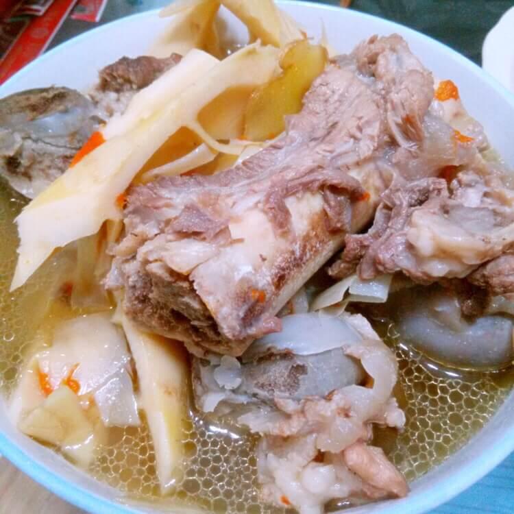 筒骨鲜笋汤
