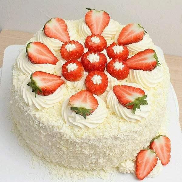 简单的草莓蛋糕