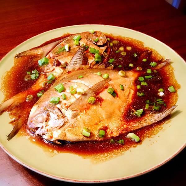 白萝卜豆腐鲳鱼煲