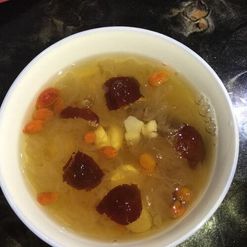 红枣银杏桂圆汤