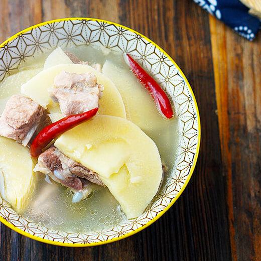 咸鸭蛋鞭笋汤