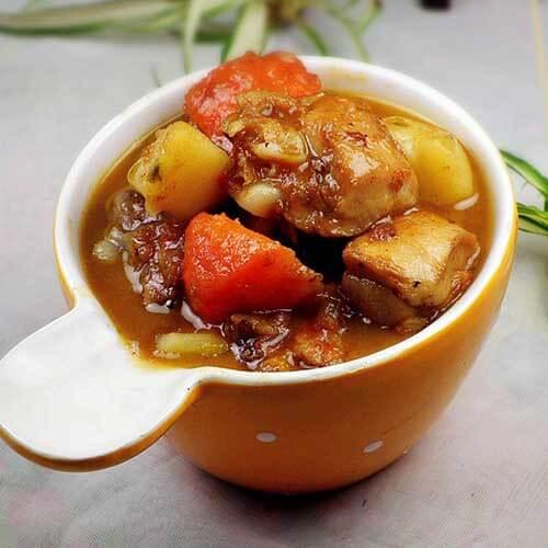 东北鸡腿土豆炖白菜