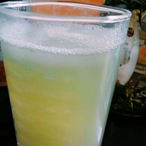 口感好的雪梨黄瓜汁