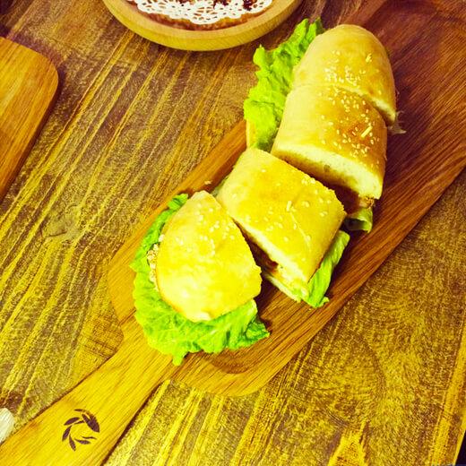 营养早餐猪排奶酪三明治