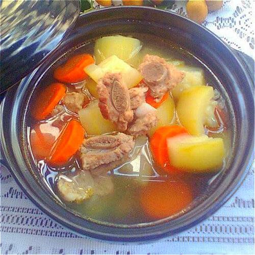 西葫芦番茄排骨汤