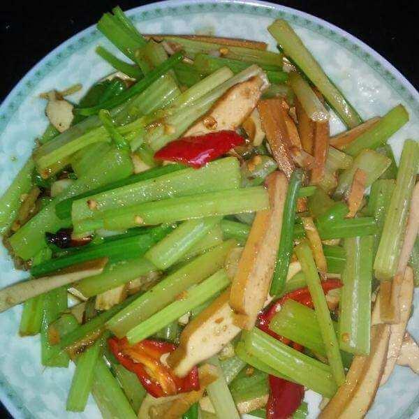 麻辣芹菜干豆腐