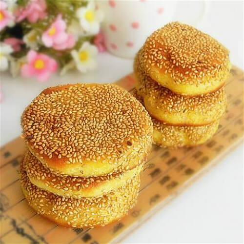 奶香玉米面芝麻饼