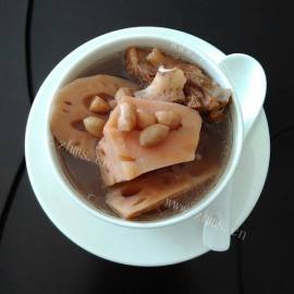 红衣花生猪骨汤
