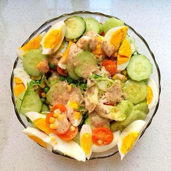 黄瓜圣女果鸡蛋沙拉