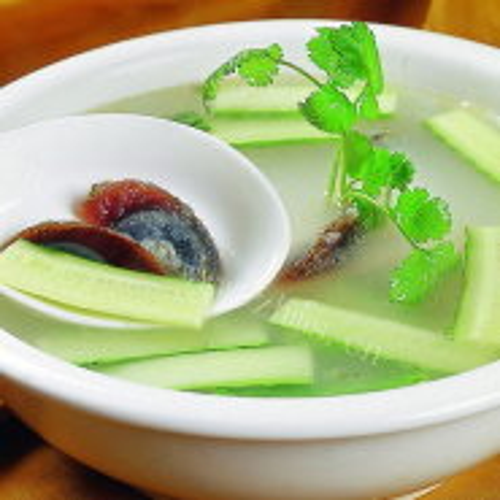 番茄紫菜虾皮蛋汤
