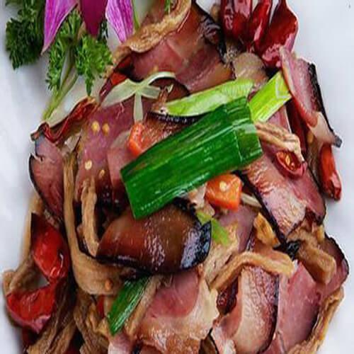 美味的萝卜干炒农家腊肉