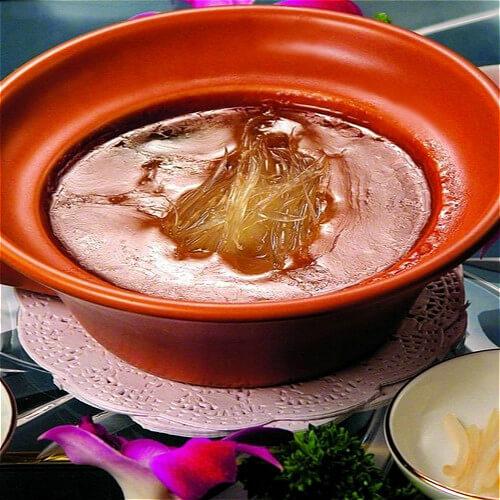鱼翅煲骨头汤