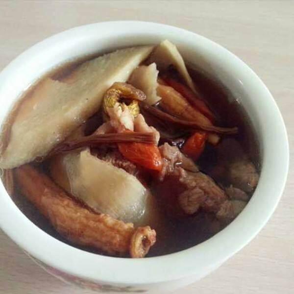 美味的石斛养生汤