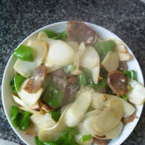 青椒腊肠炒茭白