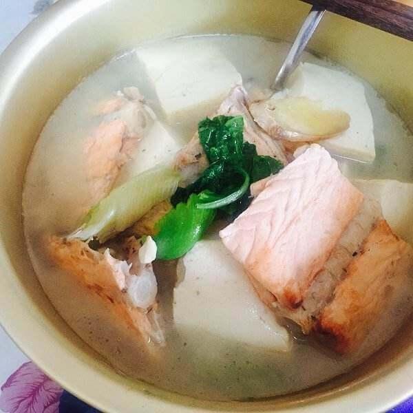 三文鱼骨炖菜