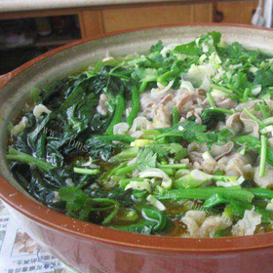 羊肉菠菜银耳砂锅