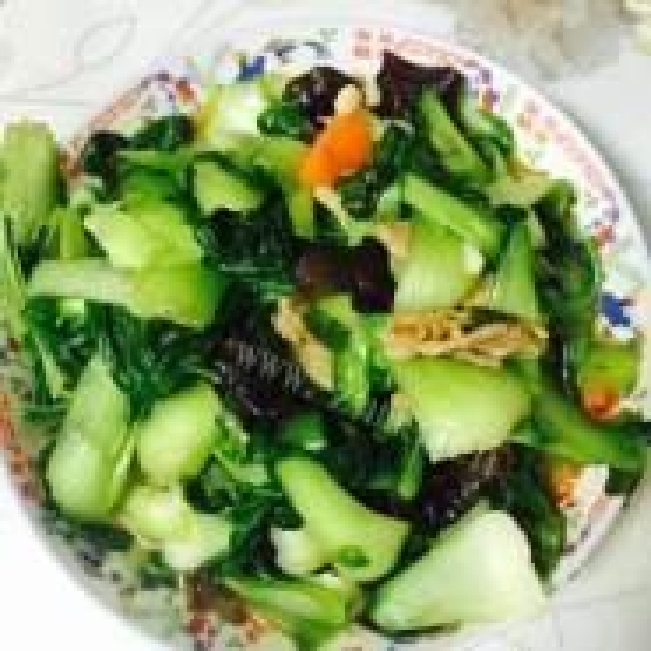 木耳烧油菜