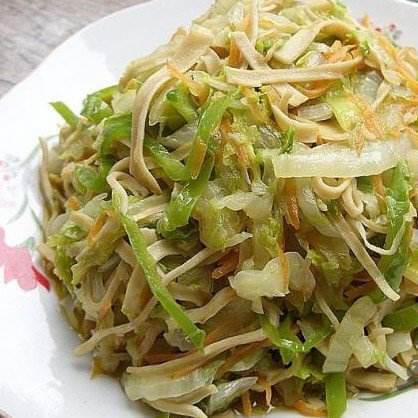 白菜芯炒千张丝