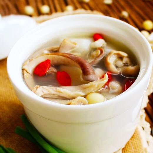 爱美食-花生米猪肚汤