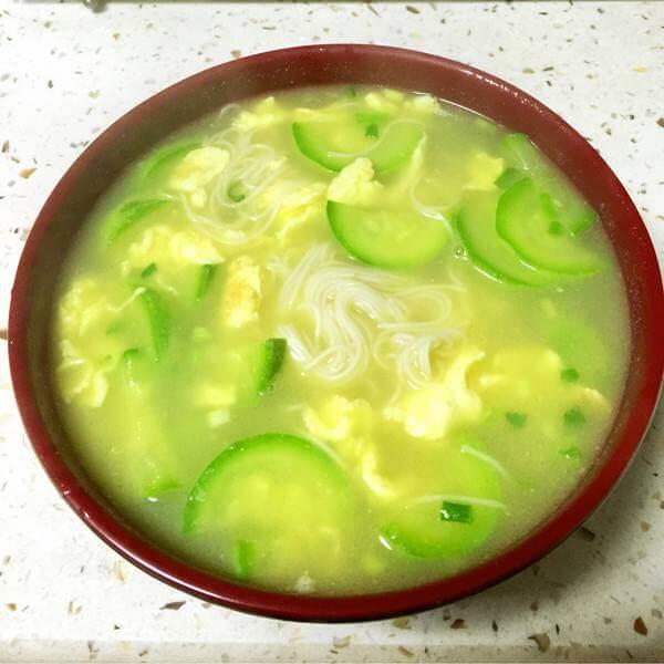 美味的榨菜葫芦汤