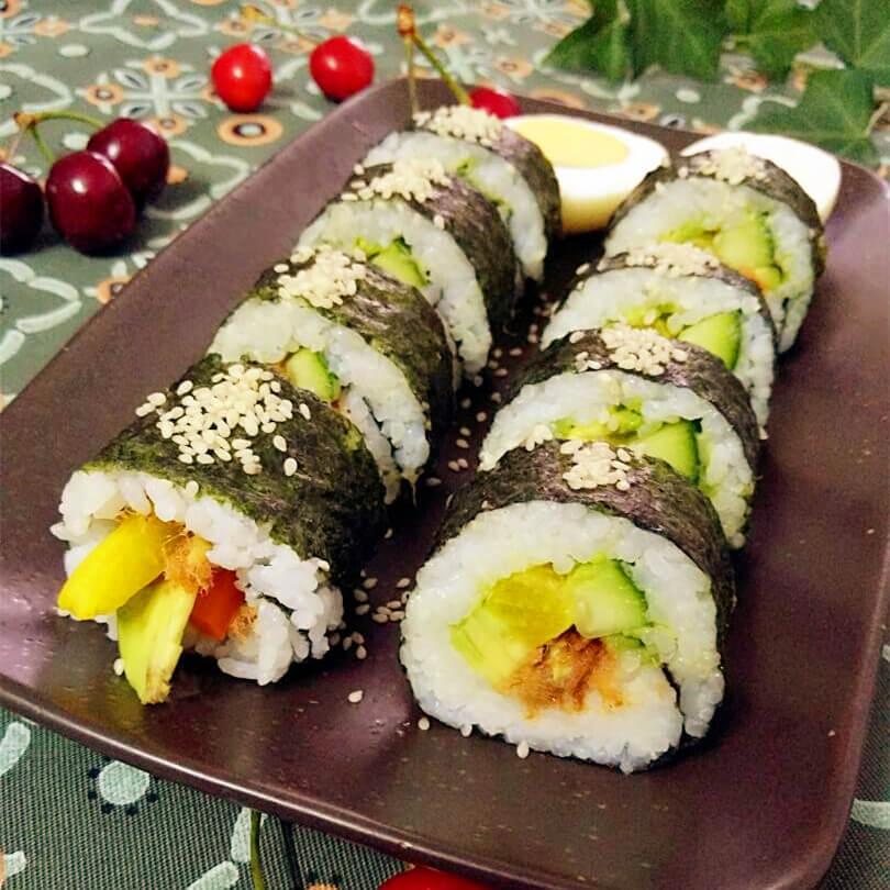 牛油果黄瓜寿司