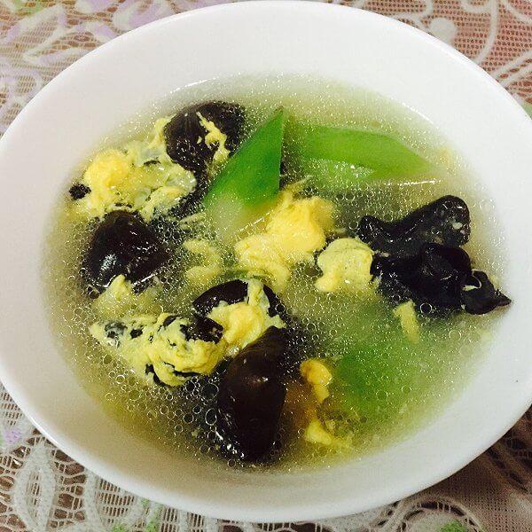 豆类鸡蛋汤