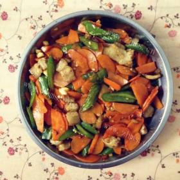 西兰花炒胡萝卜片